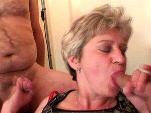 Frauen schlucken alte Beste Reife