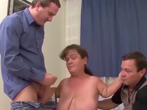 nenek cebol Gemuk pertama kali threesome