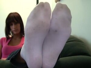 Kaki telanjang erin duval kaus kaki bertelanjang kaki. Kaki besar model panjang kaki jari kaki hd